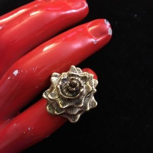 Jewelry - 3D rose ring approx size 7